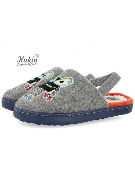 zapatillas-casa-niño-descalzas