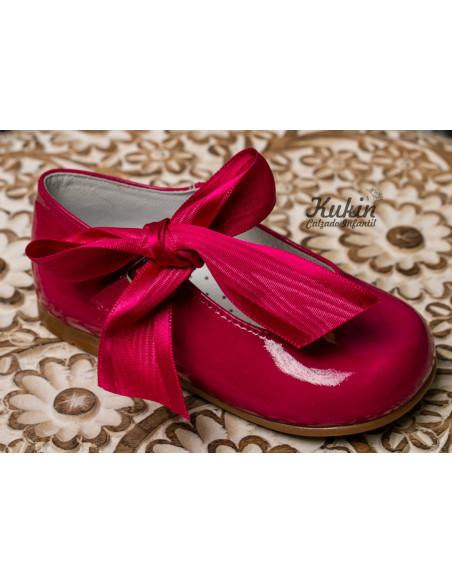 zapatos-niña-charol-fucsia