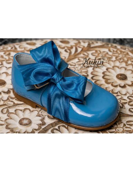 zapatos-niña-charol-azul
