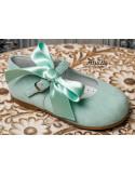 zapatos-niña-ante-verde-agua