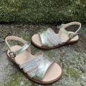 sandalias-doradas-nina