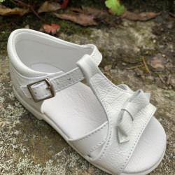 sandalias-blancas-charol-landos