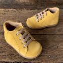 botas-mostaza-nino