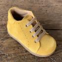 botas-mostaza-nina
