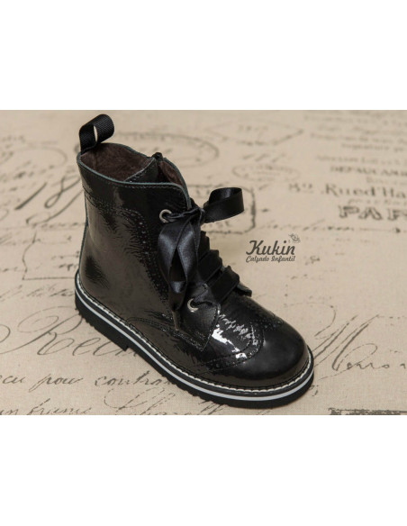 botas-charol-negro
