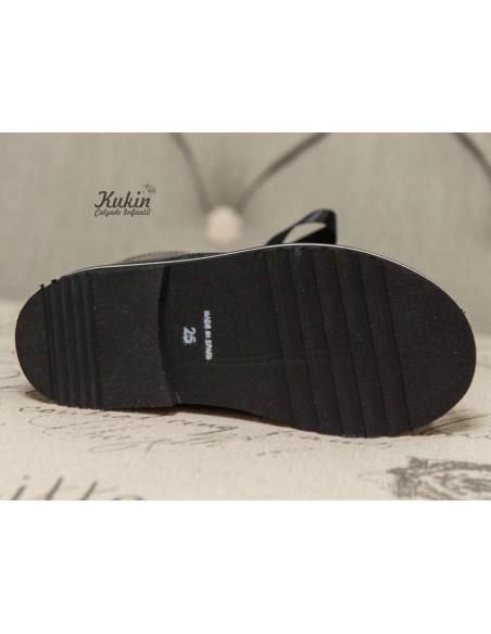 botas-negras-nina