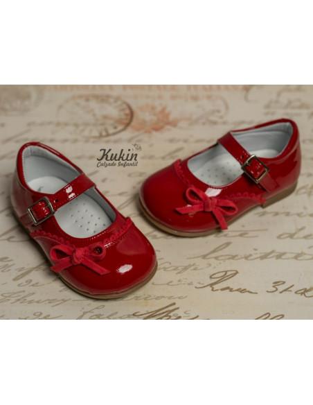 zapatos-niña-charol-rojo