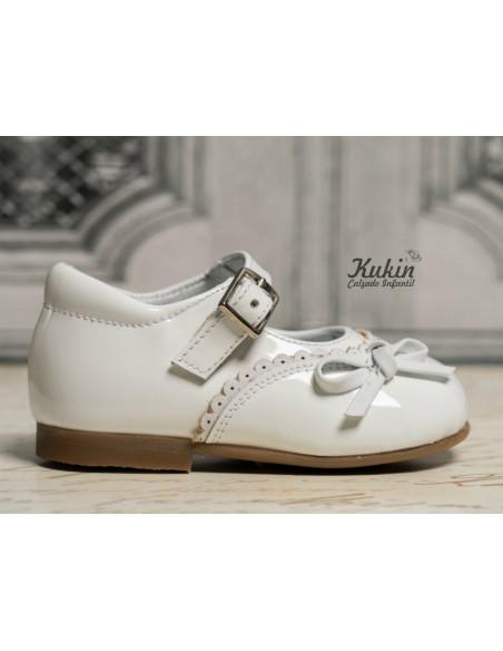 zapatos-landos-charol-blanco