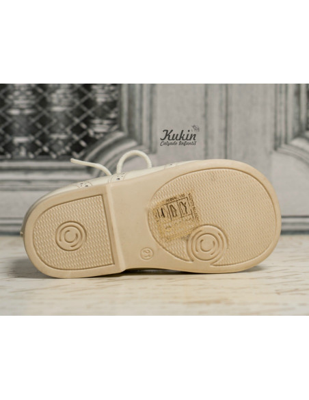 zapatos-charol-beige