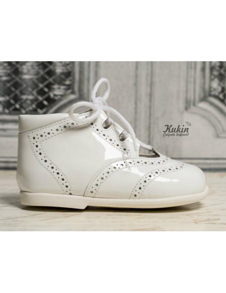 zapato-ingles-charol-blanco
