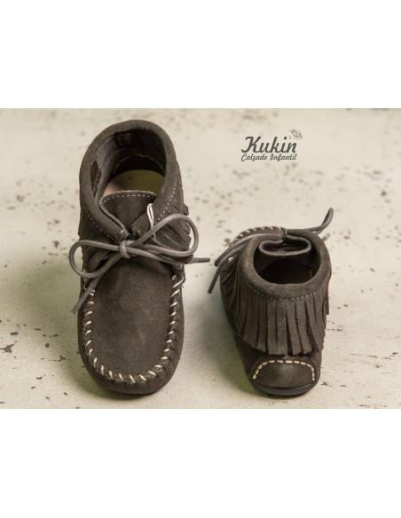 botas-flecos-grises-niño-niña