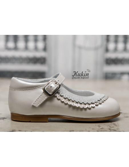 guxs-zapatos-blancos