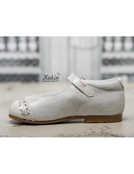zapatos-niña-blancos