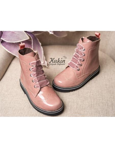 botas-niña-rosas