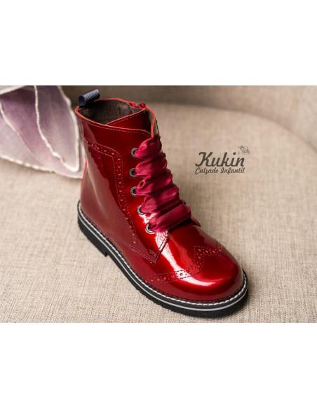 botas-niña-charol-rojo